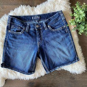 "Silver Suki medium wash jean shorts 7"" length"